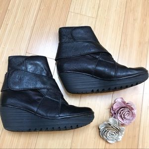 FLY LONDON wedge heel booties ankle boots, 38.
